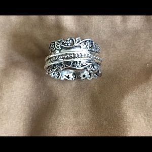 Sterling silver OrPaz spinner ring. Size 5.